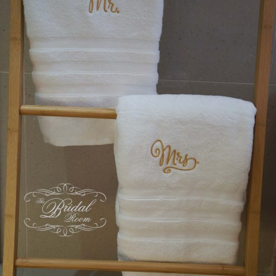 'Mr' & 'Mrs' Towel Set - Gold